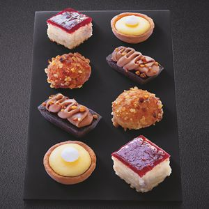 12 Petits fours collection